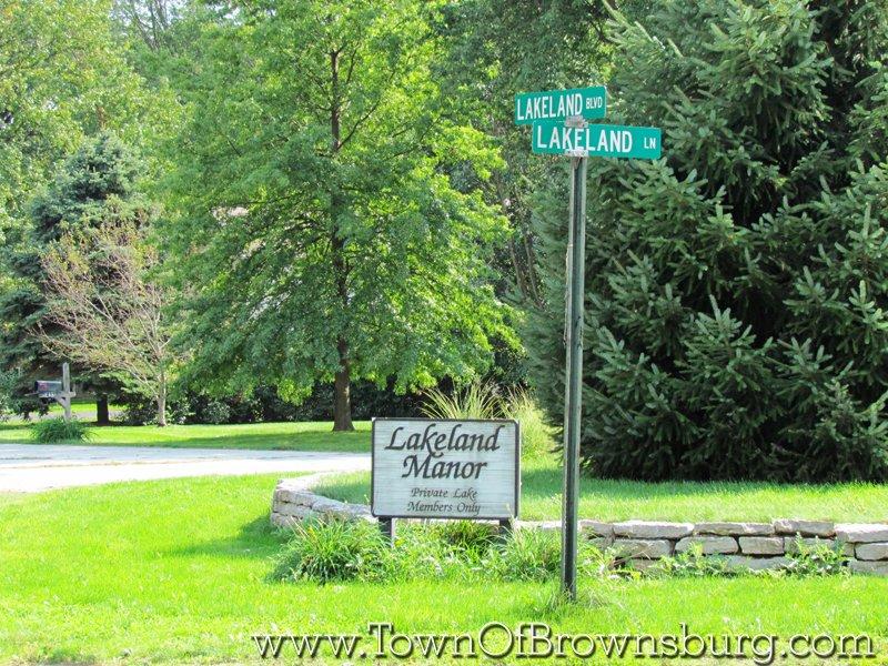 Lakeland Manor, Brownsburg, IN: Entrance