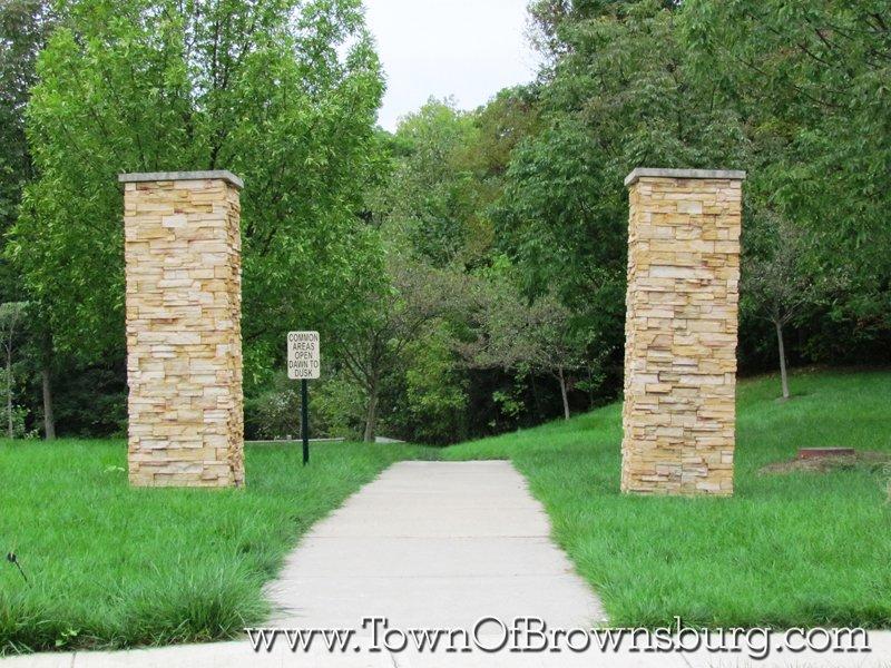 Eagle Crossing, Brownsburg, IN: Walkway Entrance