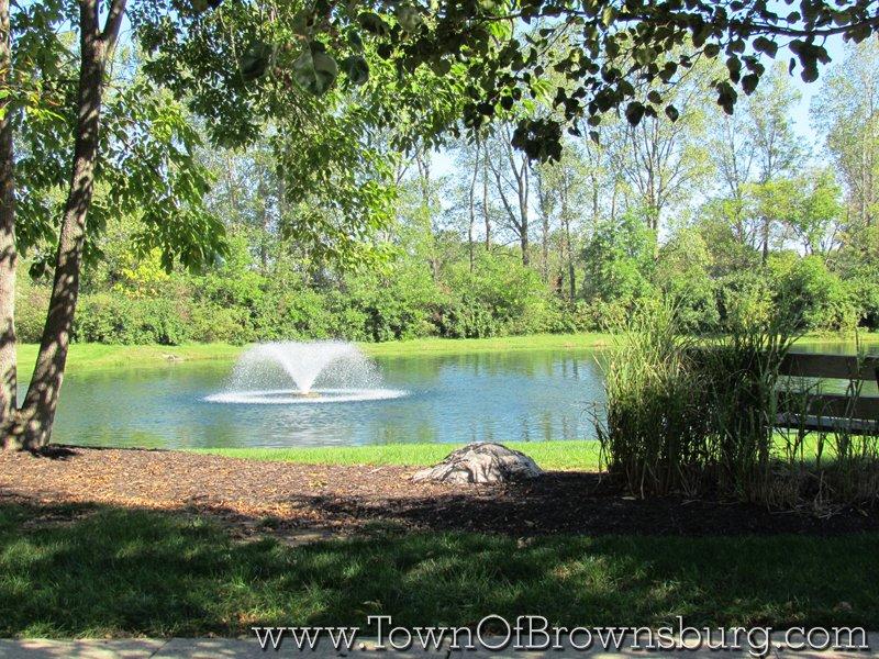 Thornburg, Brownsburg, IN: Pond Fountain